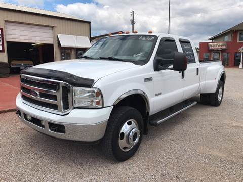 2005 Ford F-350 Super Duty for sale at T & C Auto Sales in Mountain Home AR