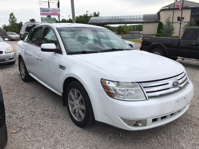 2008 Ford Taurus for sale at T & C Auto Sales in Mountain Home AR