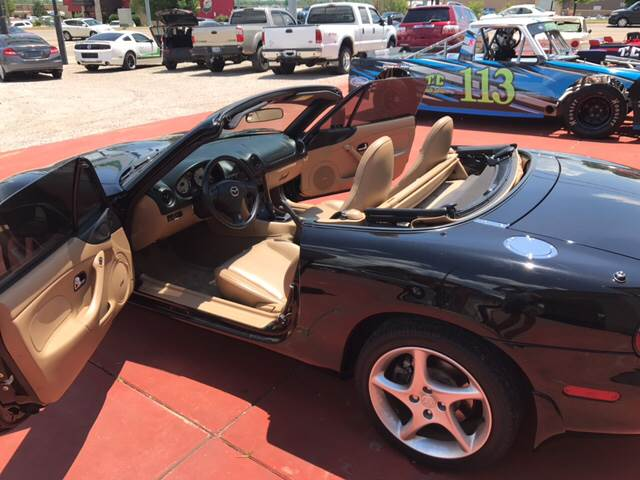 2001 Mazda MX-5 Miata for sale at T & C Auto Sales in Mountain Home AR