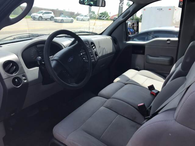 2005 Ford F-150 for sale at T & C Auto Sales in Mountain Home AR