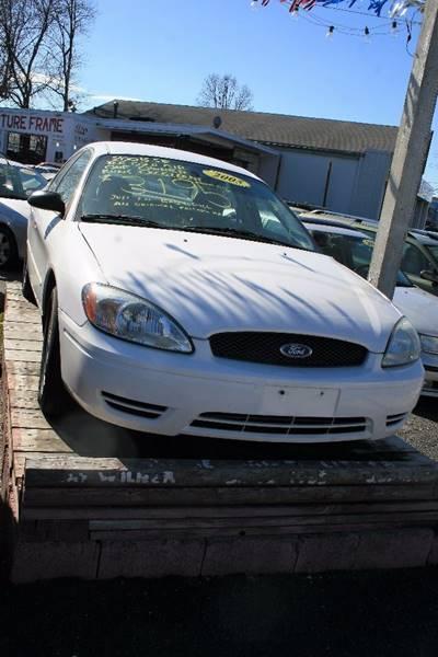 2005 ford taurus se 4dr sedan in linden nj the picture frame used cars. Black Bedroom Furniture Sets. Home Design Ideas