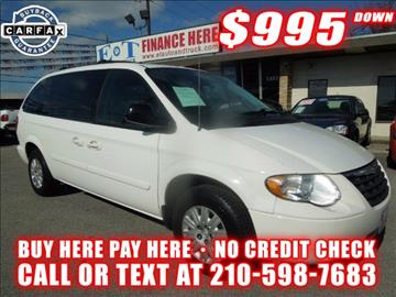 2005 Chrysler Town and Country for sale in San Antonio, TX
