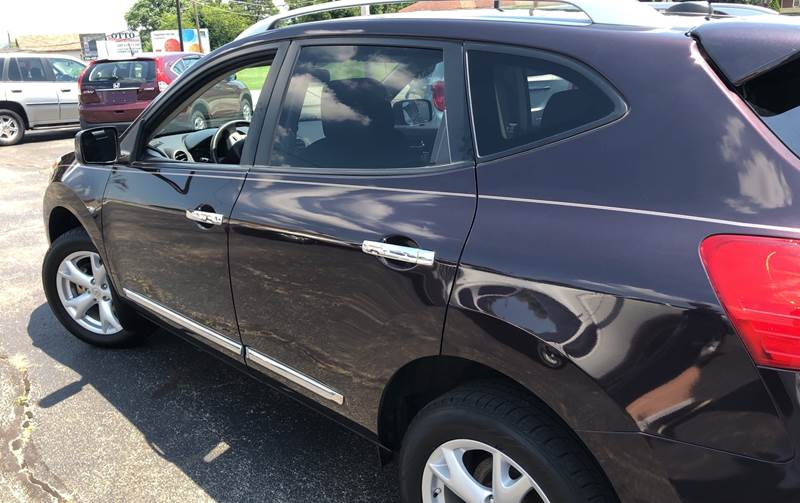 2011 Nissan Rogue SV (image 3)