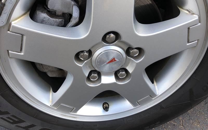 2008 Pontiac Torrent (image 2)