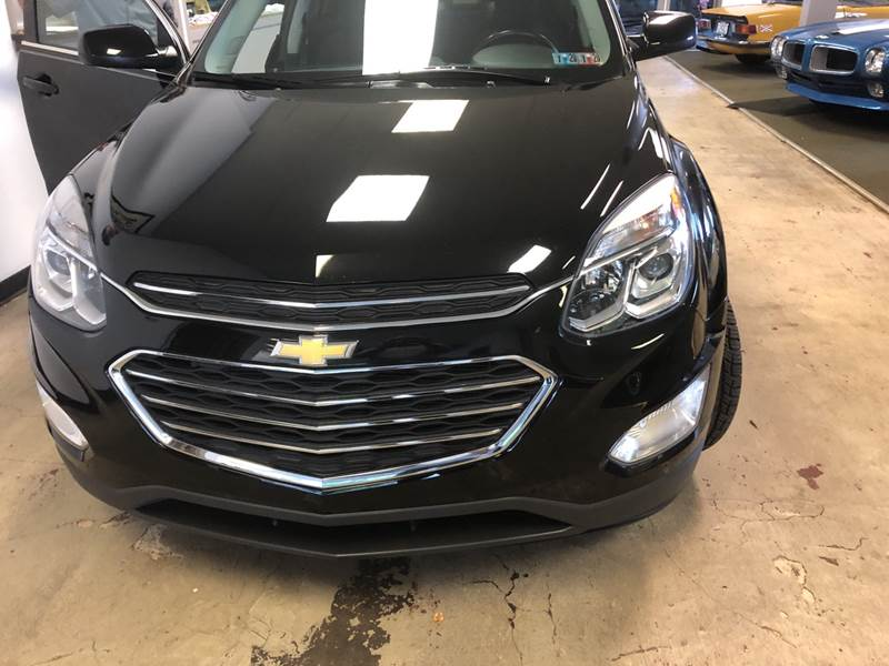 2017 Chevrolet Equinox LT (image 1)