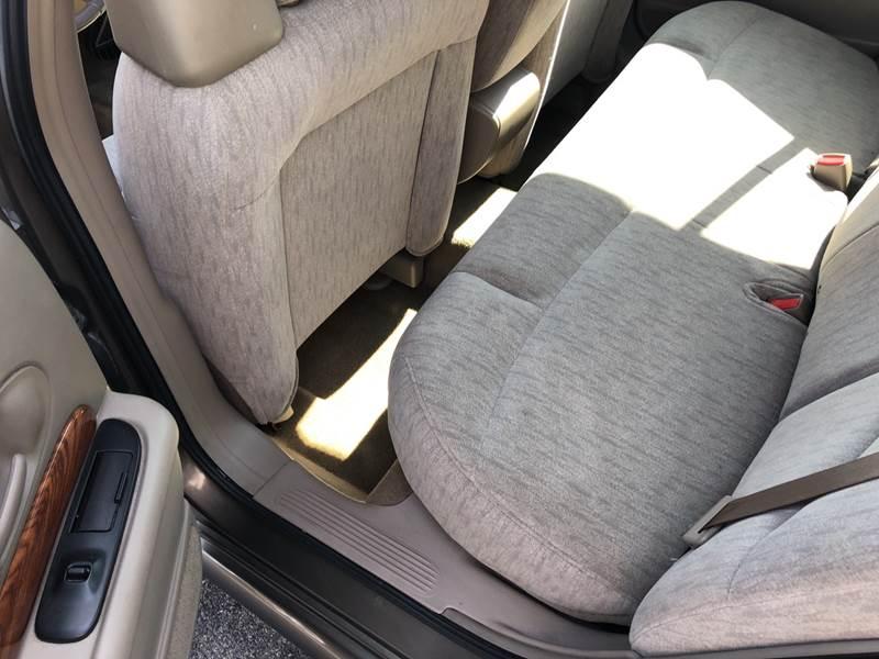 2003 Buick LeSabre Custom (image 12)