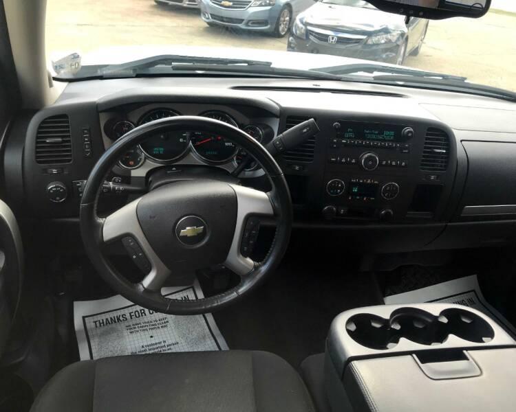 2013 Chevrolet Silverado 1500 4x2 LT 4dr Crew Cab 5.8 ft. SB - Monroe LA
