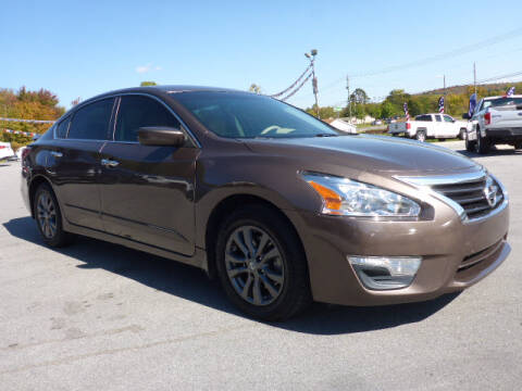 2015 Nissan Altima for sale at Viles Automotive in Knoxville TN