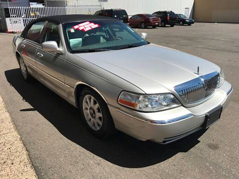 2006 Lincoln Town Car for sale in Glendale, AZ