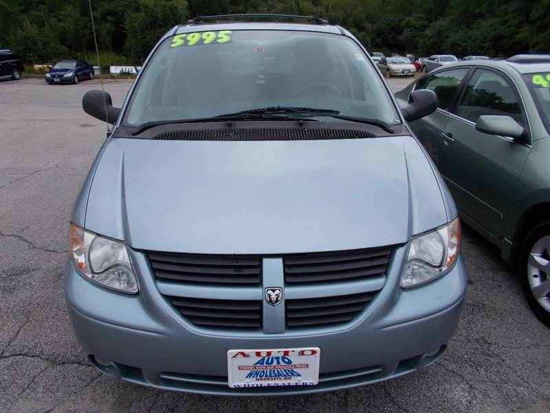 2005 Dodge Grand Caravan for sale at Auto Wholesalers Of Hooksett in Hooksett NH
