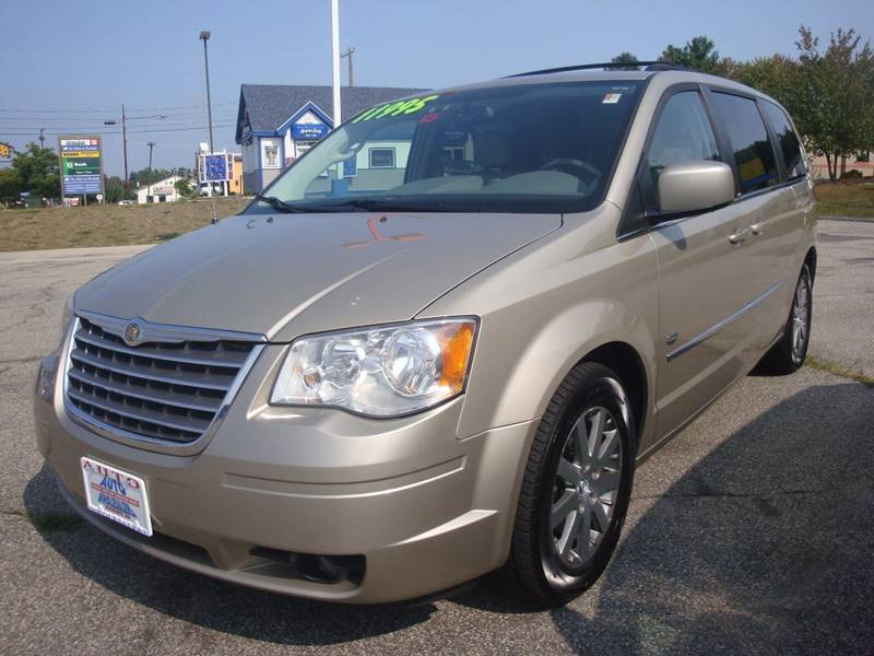 2009 Chrysler Town and Country for sale at Auto Wholesalers Of Hooksett in Hooksett NH