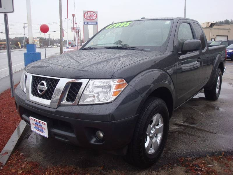 nissan reviews frontier car used new autotrader review