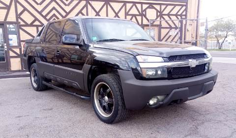 2003 Chevrolet Avalanche for sale at Used Car Showcase in Phoenix AZ