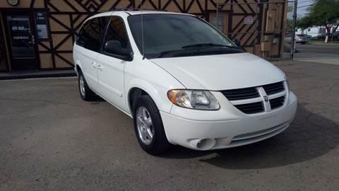 2005 Dodge Grand Caravan for sale at Used Car Showcase in Phoenix AZ
