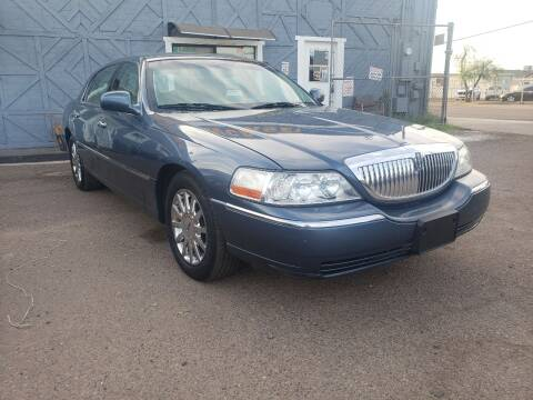 2005 Lincoln Town Car for sale at Used Car Showcase in Phoenix AZ