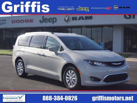 2017 Chrysler Pacifica for sale in Philadelphia, MS