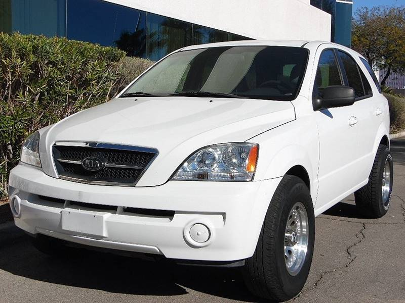 Beautiful 2004 Kia Sorento LX