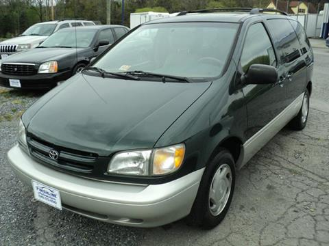 2000 Toyota Sienna for sale in Blue Ridge, VA