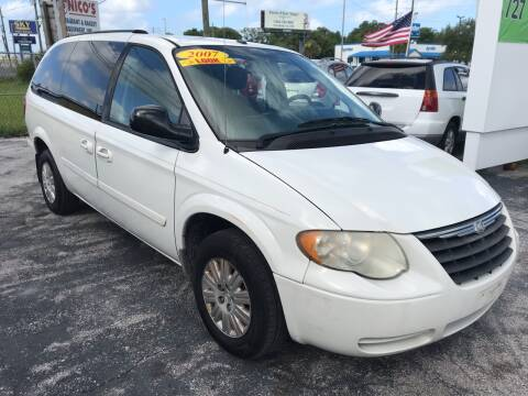 2007 Chrysler Town and Country for sale at Jack's Auto Sales in Port Richey FL