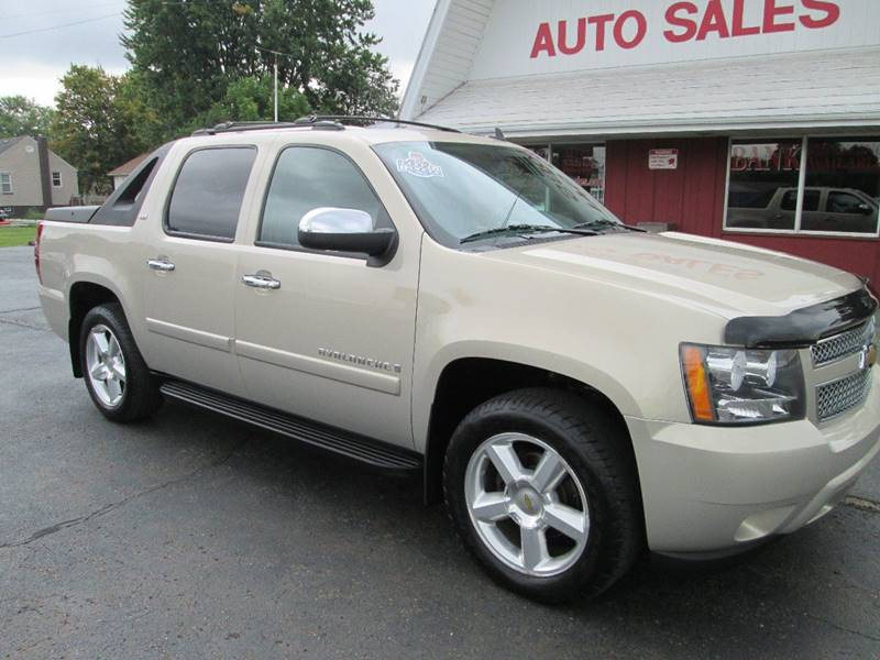 2008 Chevrolet Avalanche for sale at Bob's Auto Sales in Canton OH