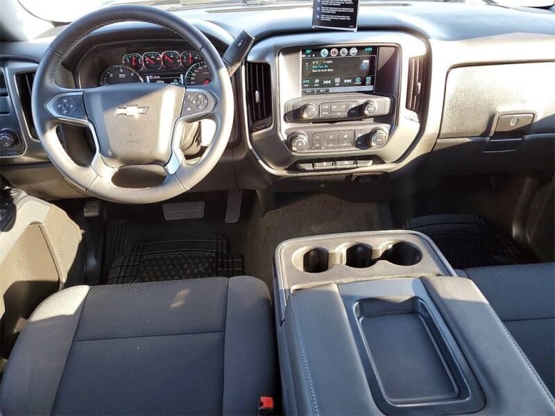 2018 Chevrolet Silverado 1500 LT (image 13)
