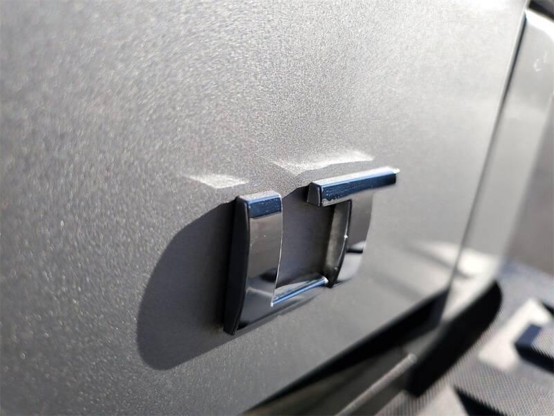 2018 Chevrolet Silverado 1500 LT (image 9)