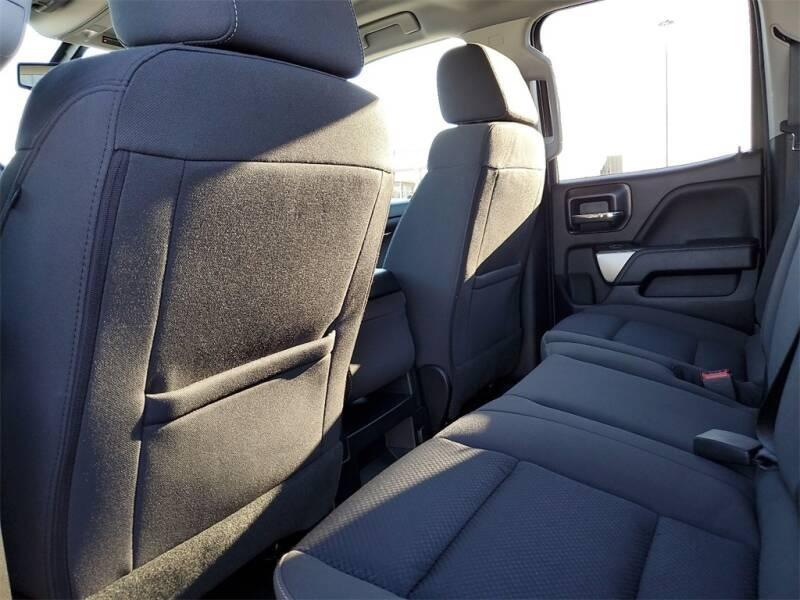 2018 Chevrolet Silverado 1500 LT (image 11)
