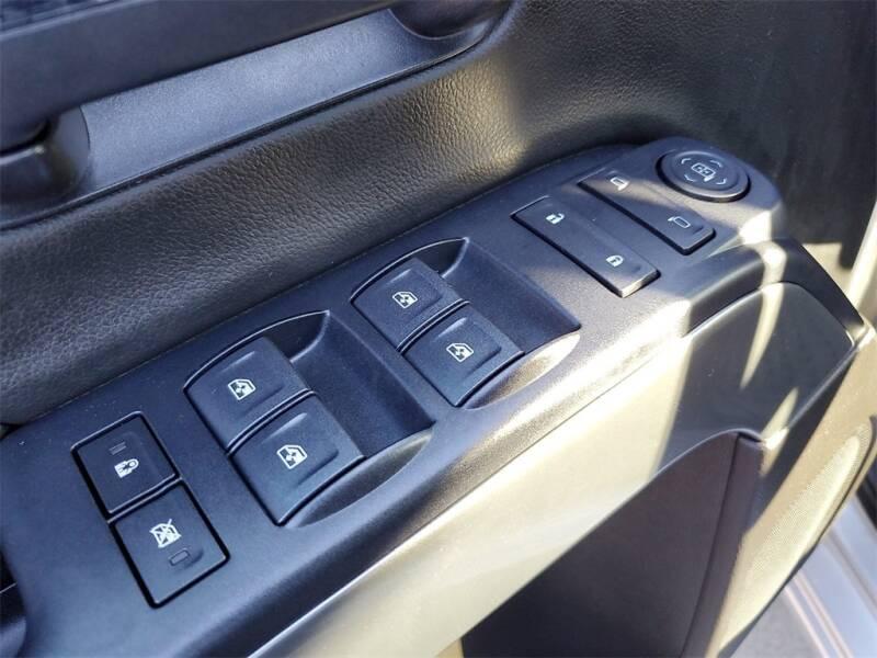 2018 Chevrolet Silverado 1500 LT (image 17)