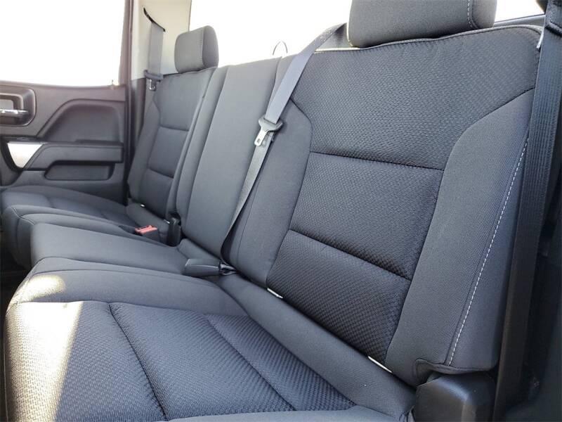 2018 Chevrolet Silverado 1500 LT (image 10)