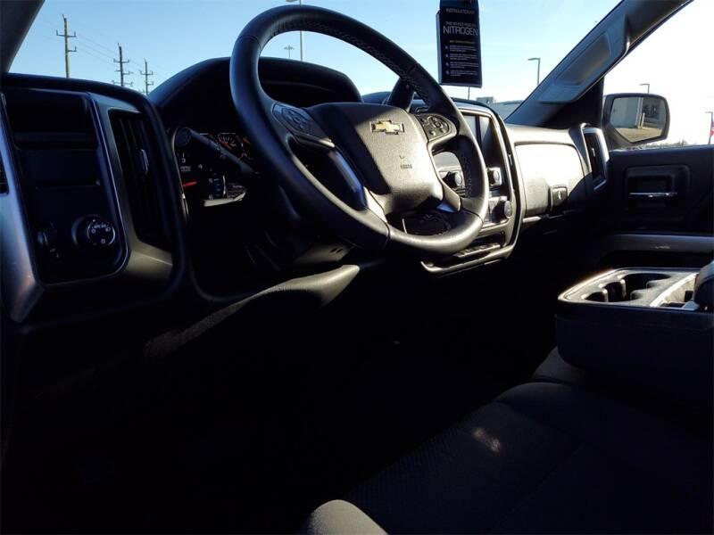 2018 Chevrolet Silverado 1500 LT (image 15)
