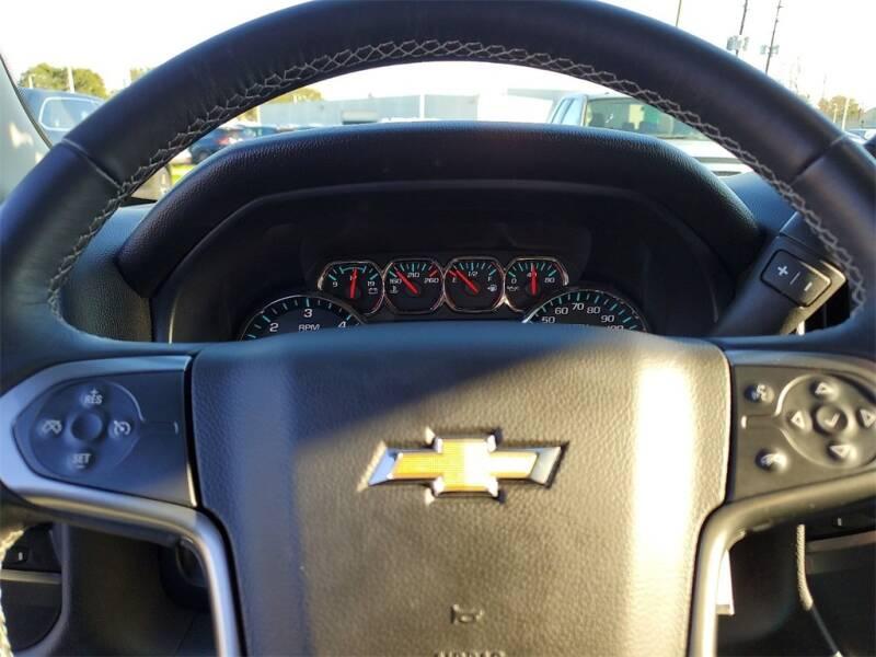 2018 Chevrolet Silverado 1500 LT (image 19)