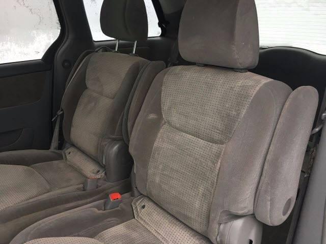 2010 Toyota Sienna AWD LE 7-Passenger 4dr Mini-Van - Palmyra ME