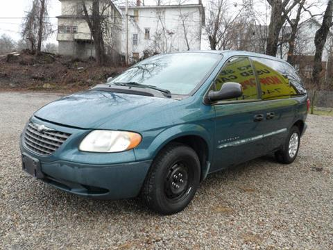 2001 Chrysler Voyager for sale in Zanesville, OH