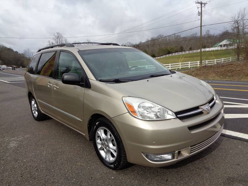 2005 Toyota Sienna for sale at Car Depot Auto Sales Inc in Seymour TN