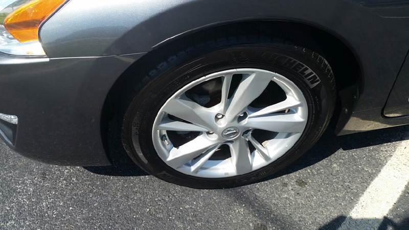 2014 Nissan Altima for sale at R & D Auto Sales Inc. in Lexington NC