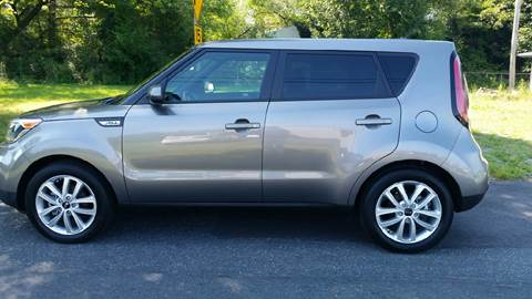 2017 Kia Soul for sale at R & D Auto Sales Inc. in Lexington NC