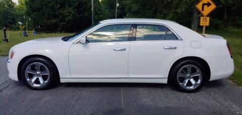 2013 Chrysler 300 for sale at R & D Auto Sales Inc. in Lexington NC