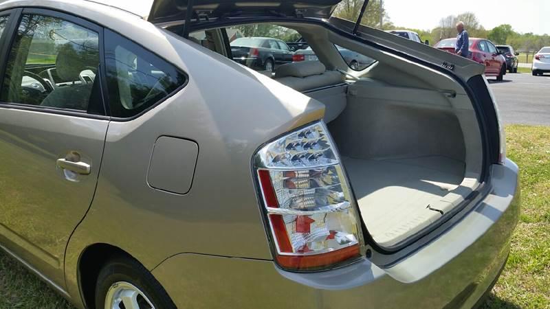 2006 Toyota Prius for sale at R & D Auto Sales Inc. in Lexington NC