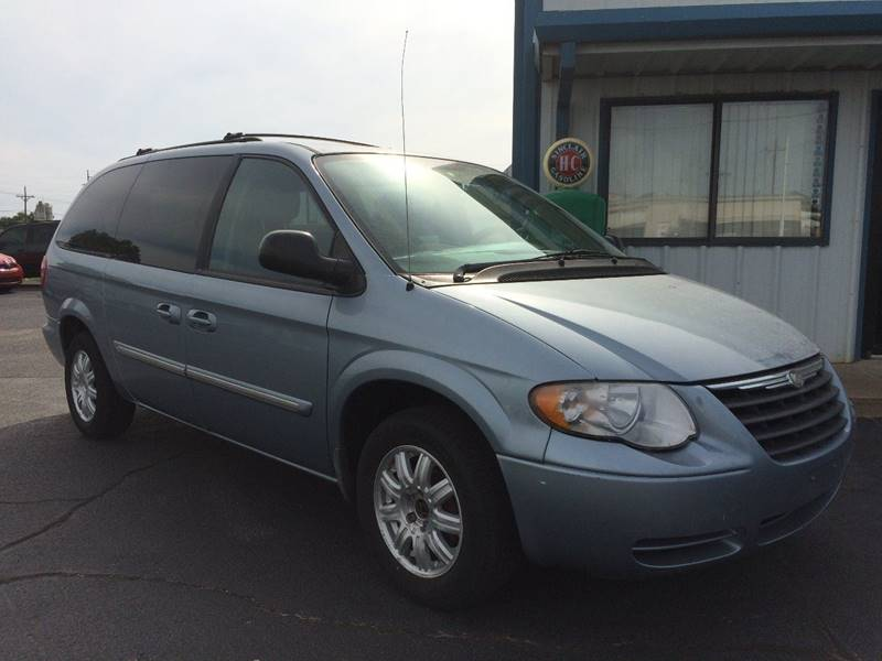 2006 Chrysler Town and Country Touring 4dr Extended Mini-Van - Weatherford OK