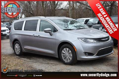 2019 Chrysler Pacifica for sale in Amityville, NY