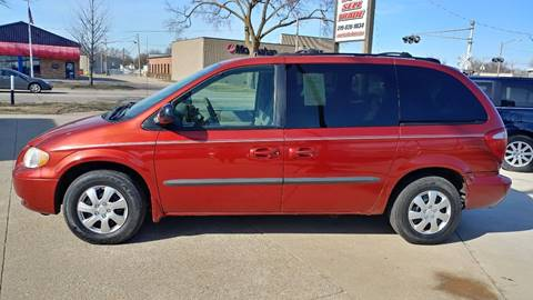 2003 Chrysler Voyager for sale in Cedar Rapids, IA
