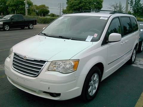 2010 Chrysler Town and Country for sale in Fort Lauderdale, FL