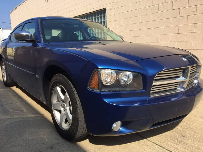 2010 Dodge Charger for sale at VENTURE MOTORS in Euclid OH