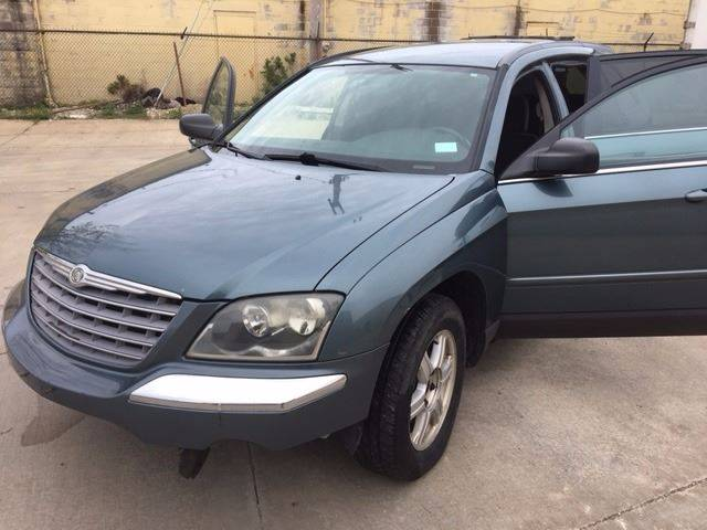 2005 Chrysler Pacifica for sale at VENTURE MOTORS in Euclid OH