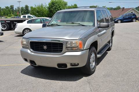 2000 Cadillac Escalade for sale in Henryville, IN