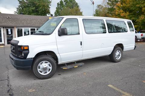 2008 Ford E-Series Wagon for sale in Henryville, IN
