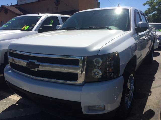2007 Chevrolet Silverado 1500 for sale at Los Primos Auto Plaza in Brentwood CA