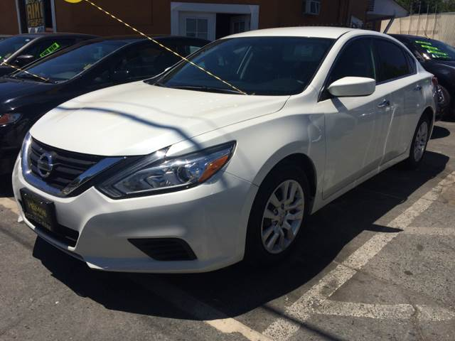 2016 Nissan Altima for sale at Los Primos Auto Plaza in Brentwood CA