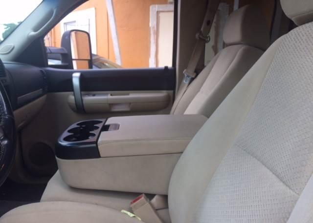 2007 Chevrolet Silverado 2500HD for sale at Los Primos Auto Plaza in Brentwood CA