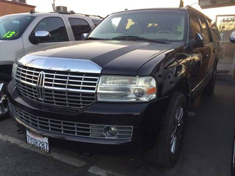 2007 Lincoln Navigator L for sale at Los Primos Auto Plaza in Brentwood CA